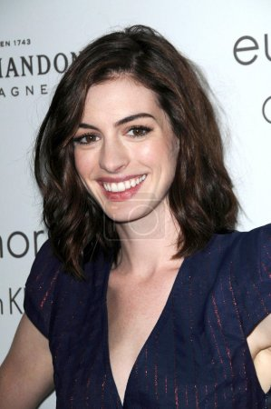 Photo pour Anne Hathaway au ELLE Magazines 15th Annual Women in Hollywood Event. Four Seasons Hotel, Beverly Hills, CA 10-06-08 - image libre de droit