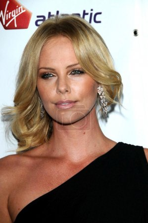 Photo pour Charlize Theron au Rock The Kasbah Benefiting Virgin Unite, Hollywood Roosevelt Hotel, Hollywood, CA. 10-23-08 - image libre de droit