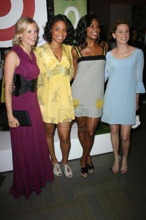Photo pour Amy Smart, Sanaa Lathan, Gabrielle Union, Elizabeth Banks au Rogan For Target Debut at Barneys New York. Barneys New York, Beverly Hills, CA 05-15-08 - image libre de droit