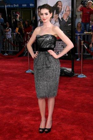 """Photo pour Anne Hathaway à la première mondiale de """"Get Smart"""". Mann Village Theatre, Westwood, CA 06-16-08 - image libre de droit"""