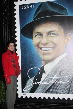 Photo pour Tina Sinatra lors de la cérémonie de dévoilement du nouveau timbre du service postal des États-Unis honorant Frank Sinatra. Beverly Hilton Hotel, Beverly Hills, CA. 12-12-07 - image libre de droit