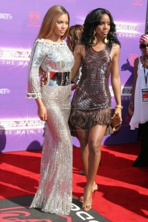 Photo for Beyonce Knowles, Kelly Rowland arriving at the 2007 BET Awards. The Shrine Auditorium, Los Angeles, CA 06-26-07 - Royalty Free Image