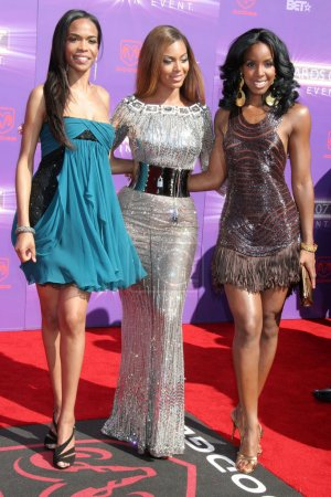 Michelle Williams with Beyonce Knowles