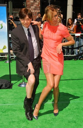 """Photo for Mike Myers and Cameron Diaz at the Los Angeles Premiere of """"Shrek The Third"""". Mann Village Theatre, Westwood, CA. 05-06-07 - Royalty Free Image"""