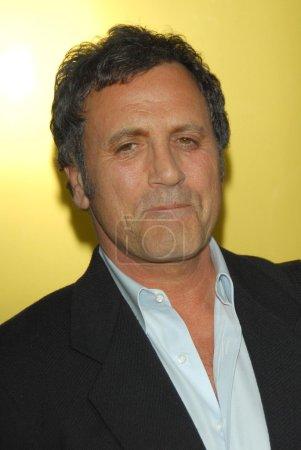 Photo pour Frank Stallone à la première mondiale de Rocky Balboa. Grauman's Chinese Theatre, Hollywood, Californie. 12-13-06 - image libre de droit