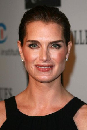 Photo for Brooke Shields at the Saks Fifth Avenue and Colleagues Annual Spring Luncheon honoring Brooke Shields. Beverly Wilshire Hotel, Beverly Hills, CA. 04-10-07 - Royalty Free Image