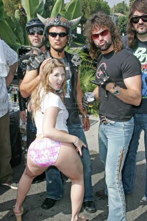 Sunny Lane with Van Stoned
