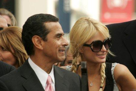 Антонио Вилларайгоса и Пэрис Хилтон