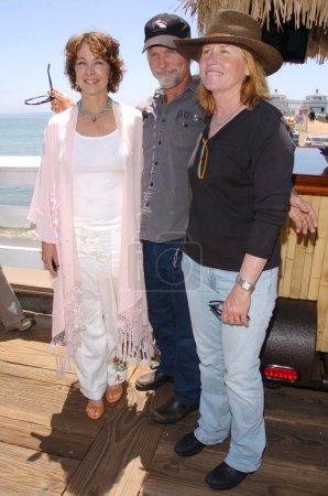 Photo pour Kathleen Quinlan avec Ed Harris et Amy Madigan lors de la première conférence de presse annuelle de l'annonce de Malibu Celebration of Film. Malibu Pier, Malibu, Californie. 05-24-06 - image libre de droit