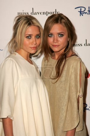 Photo for Ashley Olsen, Mary-Kate Olsen at the Miss Davenporte Trunk Show hosted by Lucky Magazine, Ron Herman, Los Angeles, CA 11-17-05 - Royalty Free Image