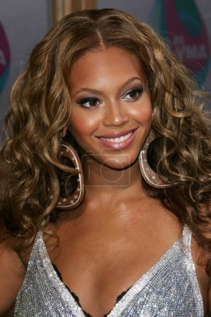 Photo for Beyonce Knowles arriving at the 2005 MTV Video Music Awards. American Airlines Arena, Miami, FL. 08-28-05. - Royalty Free Image