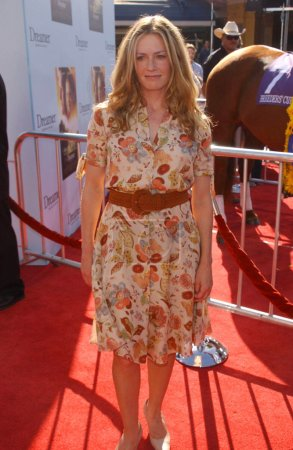 """Photo for Elisabeth Shue at the premiere of """"Dreamer"""", Mann Village Theatre, Westwood, CA 10-09-05 - Royalty Free Image"""