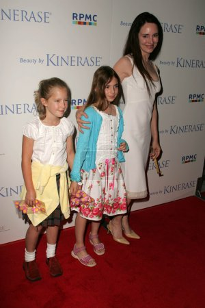 Photo for Madeleine Stowe and family At the fundraiser for EBMRF sponsored by Courteney Cox and KINERASE, Armand Hammer Museum, Westwood, CA 07-11-05 - Royalty Free Image
