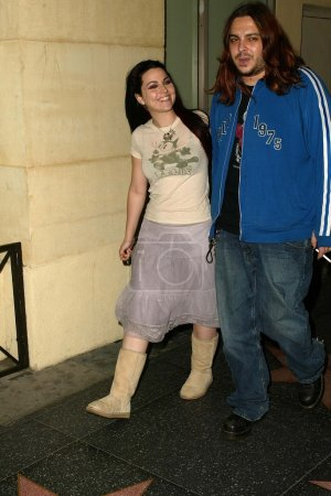 Photo pour Amy Lee d'Evanescence avec son petit ami Shaun Morgan de Seether au SONY-BMG Grammy Party 2005, Roosevelt Hotel, Hollywood, CA 13-02-05 - image libre de droit