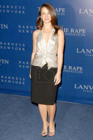 Photo pour Kristin Davis au défilé de mode Lanvin de l'automne 2004 au profit de la Fondation Rape qui a eu lieu au Barneys New York Beverly Hills Store, Beverly Hills, CA. 05-12-04 - image libre de droit