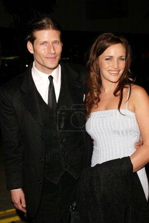 Photo pour Crispin Glover et Amy à la première de Bad Santa de Miramax, Mann Bruin Theater, Westwood, CA 18-11-03 - image libre de droit