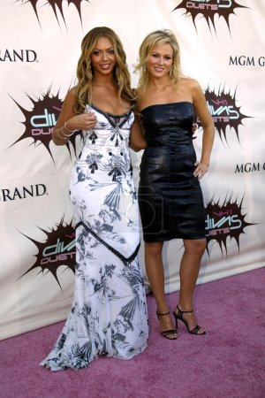Photo for Beyonce Knowles and Jewel at the VH1 Divas Duets at the MGM Grand Hotel, Las Vegas, NV 05-22-03 - Royalty Free Image