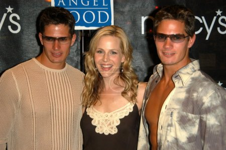 Julie Benz and the Carlson