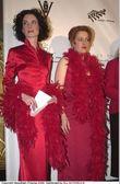Lara Flynn Boyle and Gillian Anderson
