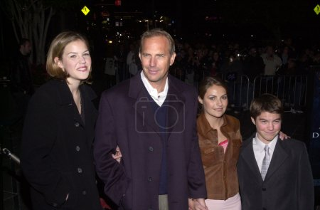 Kevin Costner and wife