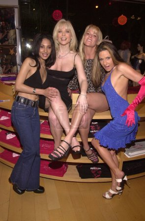 Dee, Nina Hartley, Keri Windsor and Alexandra Silk