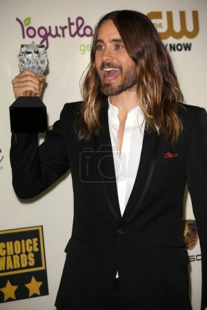 Photo pour Jared leto au film de choix de la critique 19th annual awards arrivées, hangar de barker, santa monica, ca 16/01/14 - image libre de droit