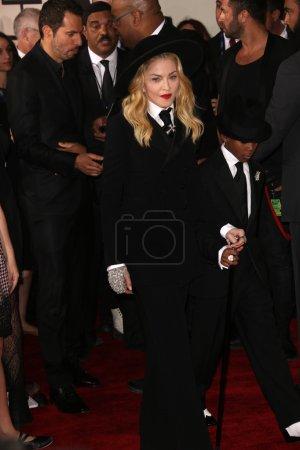 Photo pour Madonna, David Banda aux 56e Grammy Awards, Los Angeles, CA 26-01-14 - image libre de droit