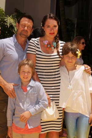 Grant Bowler and family