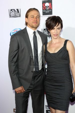 Charlie Hunnam Maggie Siff