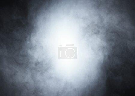 Photo pour Fumée sur fond noir - image libre de droit