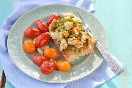herby tofu scramble
