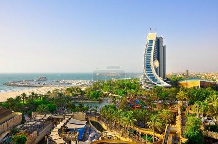 Photo pour Vue de Jumeirah Beach le 20 juin 2009 à Dubaï . - image libre de droit