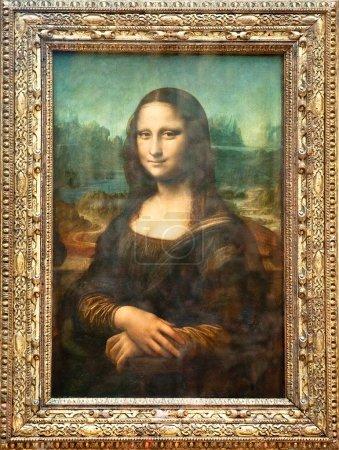 Photo pour Mona lisa par l'artiste italien Léonard de vinci au Musée du louvre, 16 août, 2009 à paris, france - image libre de droit