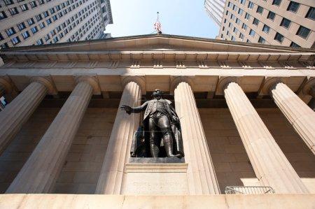 George Washington statue at Wall Street, New york City
