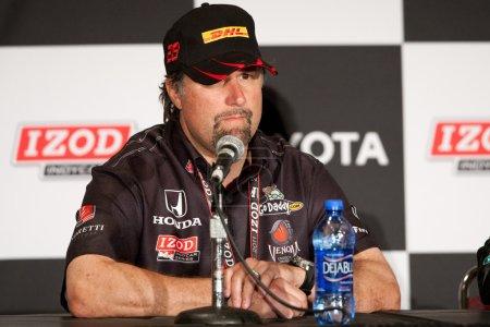 Photo pour LONG BEACH - 17 AVRIL. Michael Andretti lors de la conférence de presse post-course de la série IndyCar Toyota - image libre de droit