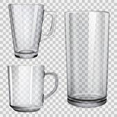 Dvě průhledné skleněné poháry a jednu sklenici šťávy