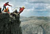 Bungee jumping sekvence v banos de agua santa, Ekvádor, san francisco most