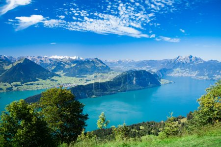 Beautiful view to Lucerne lake (Vierwaldstattersee...
