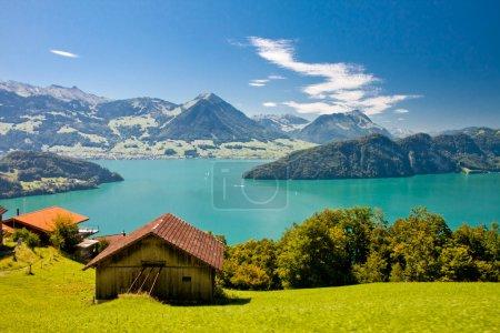 Photo pour Belle vue sur lac de lucerne (vierwaldstattersee) et le Mont pilatus du rigi, Alpes suisses - image libre de droit