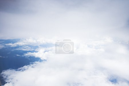 Photo pour Nuages vue de l'avion - image libre de droit