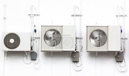 Air condenser.