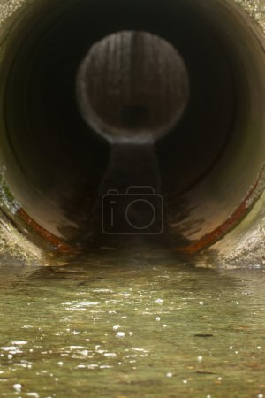 Water drainage channel
