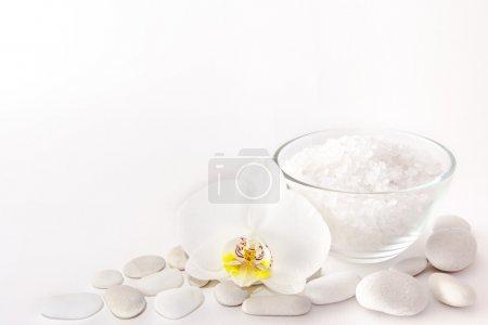 Spa, white scene