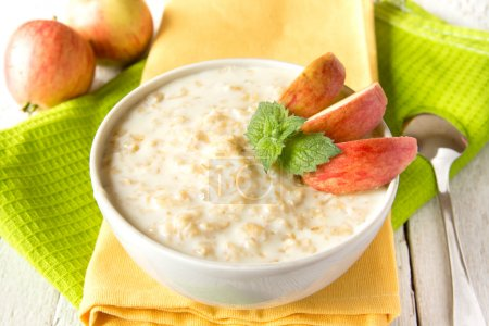 Oatmeal porridge with apple