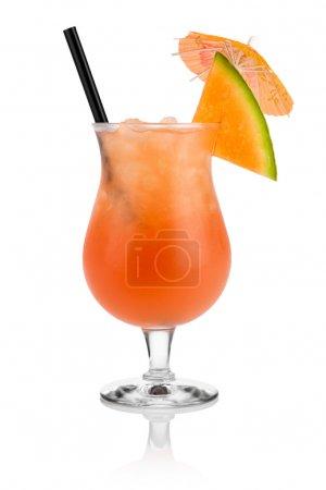 Photo pour Cocktail cantaloup devant fond blanc - image libre de droit