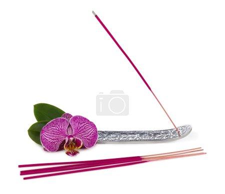Photo pour Bâton d'encens avec fleur d'orchidée - image libre de droit