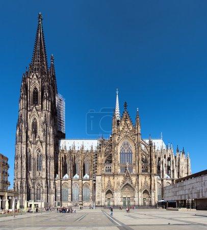 Photo pour Cathédrale de Cologne sur le côté sud, l'Allemagne - image libre de droit