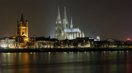 Night view on Cologne Cathedral and Great St. Martin Church