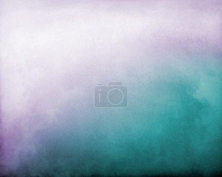 Photo pour Brouillard et nuages sur fond de gradient texturé violet à turquoise. L'image affiche un grain de papier et une texture distincts à 100 % . - image libre de droit
