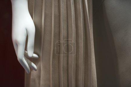 mannequin hand